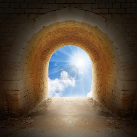 cesta na konci tunelu
